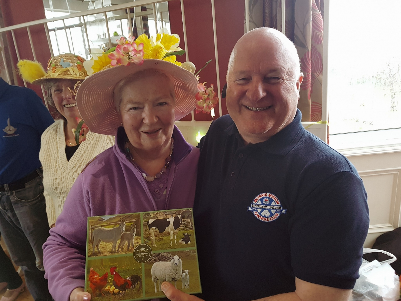 MMOC-NI-Easter-Monday-Run-2018-Beth-McNally-winner-of-the-Easter-Bonnet-competition-with-Robert-McNally